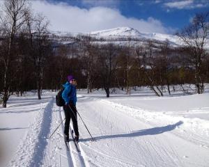 Nydelig skitur hjemme i Nordreisa, påska 2013. Jeg kan gå på ski igjen!